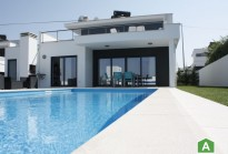 Fantastic modern 3 bedroom house with swimming pool - 10 minutes from the beaches Nazaré and São Martinho do Porto