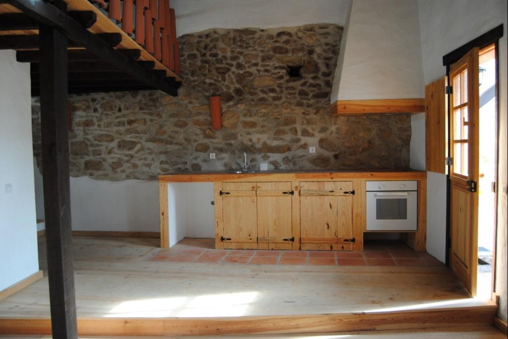 Casa r stica restaurada com quintal - Casas para restaurar en pontevedra ...
