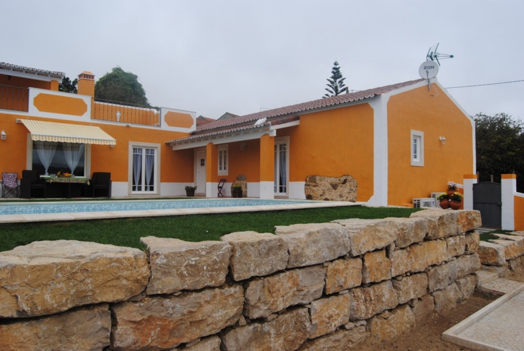 terraco jardim detalhe:Moradia rústica T3 com piscina, terraço e jardim relvado