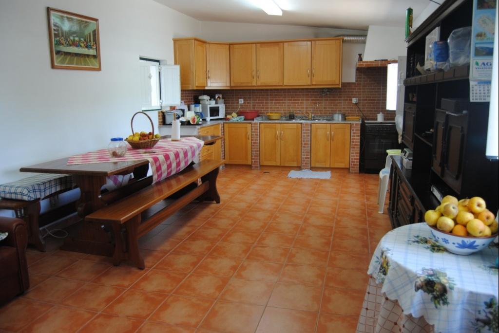 Terreno r stico com e casa restaurada for Legalizar casa en terreno rustico