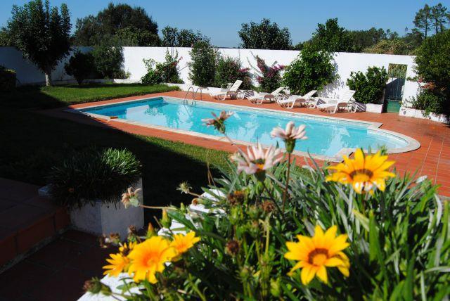 Duas moradias piscina p tio interno e jardim caldas da rainha - Piscina da interno ...